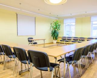 Gertrud gertrudi tuba tallinna opetajate maja ruumide rent seminar konverents vastuvott pulmad peoruumid sunnipaev peokoht klassiruum umarlaud gala
