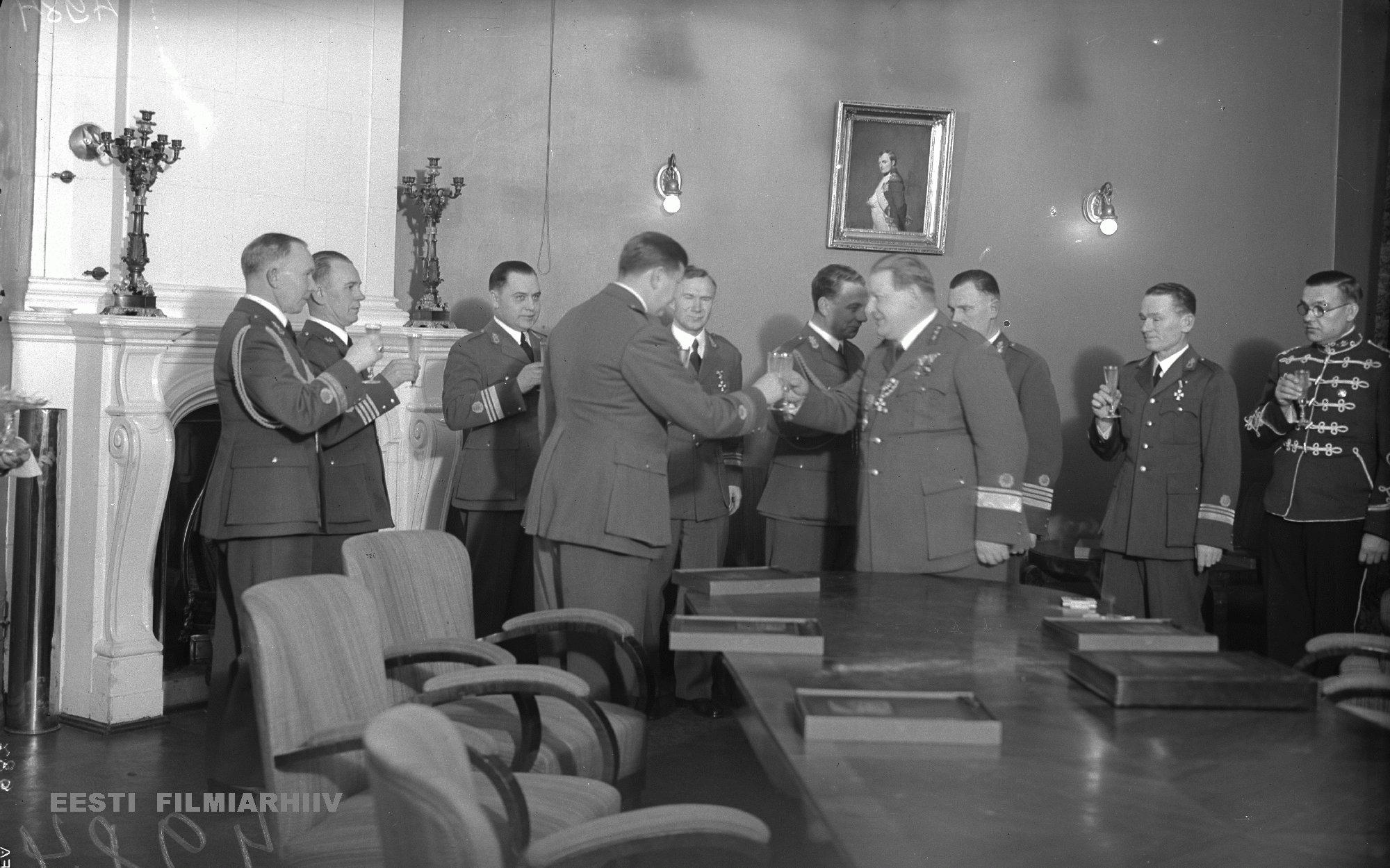 Tallinna Opetajate Maja Raekoja plats 14 Kaitsevae Staabi Ohvitseride Kogu albumite katteandmine 4.12.1937